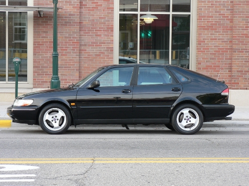 1997 Saab 900 S Closer Side Shot in Front of Bldg Lamp Post